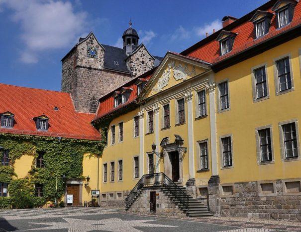 Schloss_Ballenstedt,_Hofseite